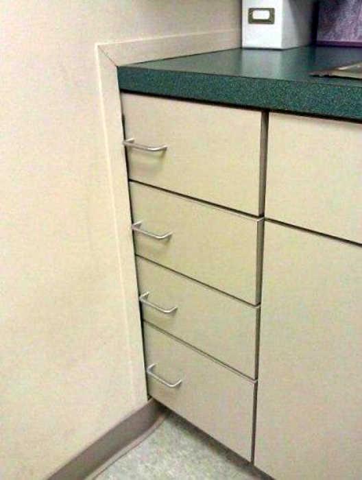 Шкафчики в стене. | Фото: Onedio.
