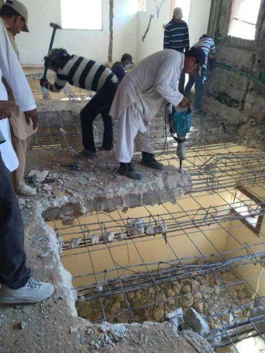 Слажено работают, значит скоро провалятся! | Фото: Funnyjunk.